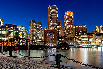 Boston Seaport by night - p401m2196327 by Frank Baquet