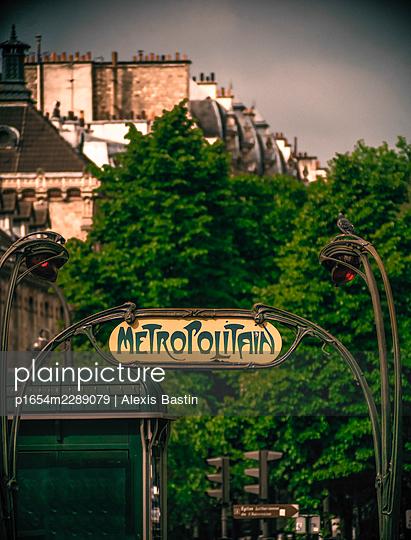 Paris, Subway Station - p1654m2289079 by Alexis Bastin