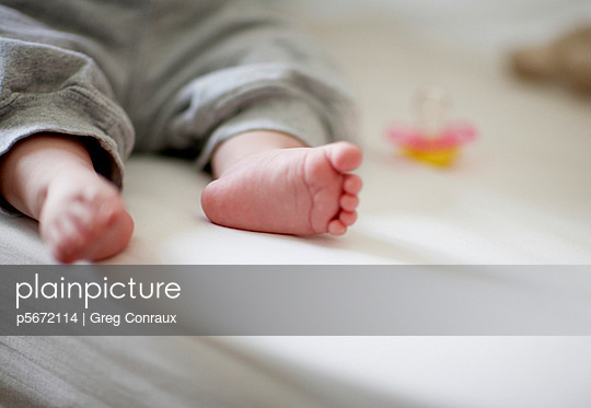 Babyfüße - p5672114 von Greg Conraux