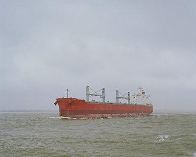 Freighter - p1214m1031150 by Janusz Beck