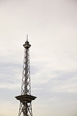 Television tower - p1980321 by David Breun