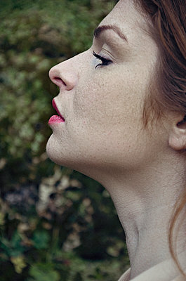 Profile of a young woman - p577m1528558 by Mihaela Ninic