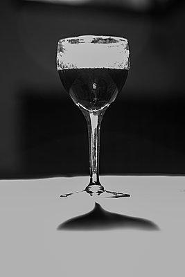 Red wine - p1307m2288449 by Agnès Deschamps