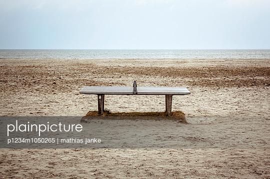 Tischtennis am Meer - p1234m1050265 von mathias janke