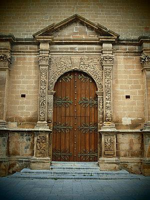 Tür der Kirche Chiesa Madre - p132m1134932 von Peer Hanslik