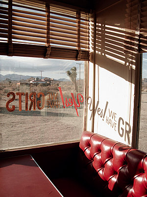 Abandoned diner in the desert of USA - p8870030 by Christian Kuhn