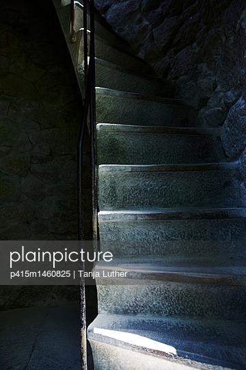 Treppe - p415m1460825 von Tanja Luther