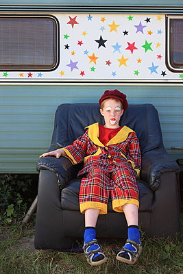 Clown macht Pause - p045m1048246 von Jasmin Sander