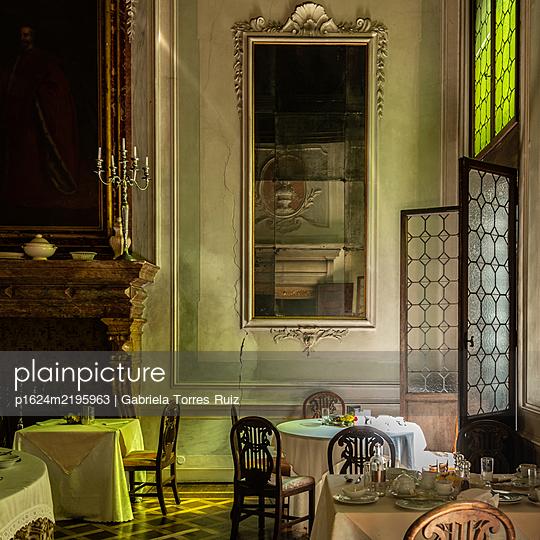 Monumental salon in Venice - p1624m2195963 by Gabriela Torres Ruiz