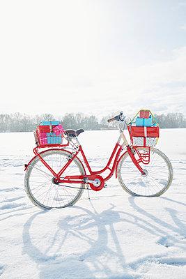 Weihnachtsgeschenke Lieferung  - p464m1550343 von Elektrons 08