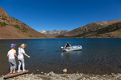 At the lake - p756m2125739 by Bénédicte Lassalle