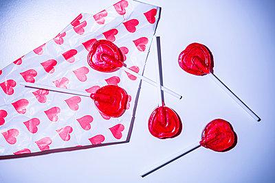 Heartshaped lollipops - p1149m2254014 by Yvonne Röder