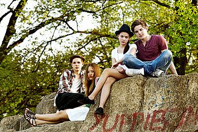 Teens - p1015m1441927 von Nino Gehrig