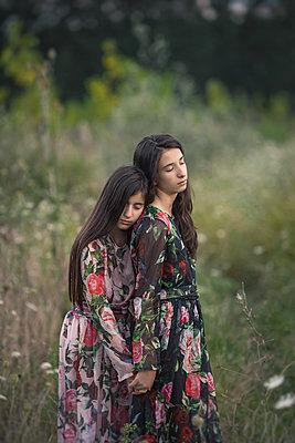 Schwestern - p1432m2093441 von Svetlana Bekyarova