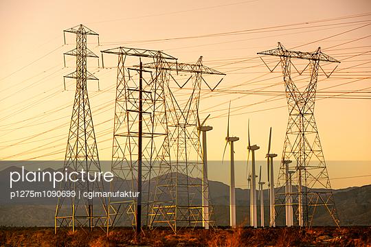 Windpark und Überlandleitungen, Palm Springs - p1275m1090699 von cgimanufaktur