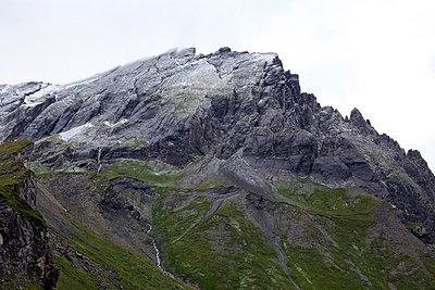Rocky alpine landscape - p3882938 by Ulrike Leyens