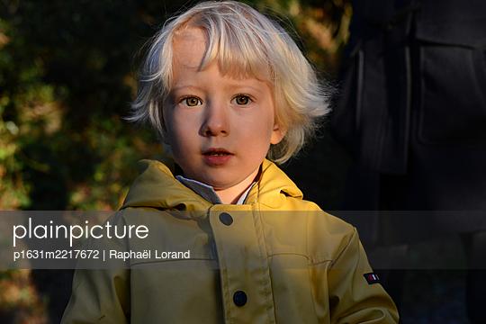 Kleiner Junge - p1631m2217672 von Raphaël Lorand