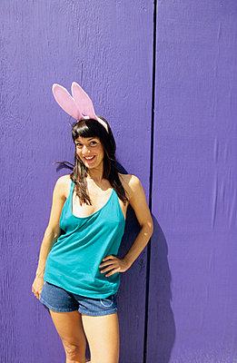 Girl bunny - p0450655 by Jasmin Sander