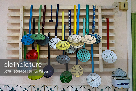 p378m2009764 von Simon Wilder