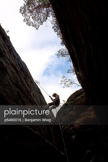 Climbing equipment - p5460016 by Benjamin Wieg