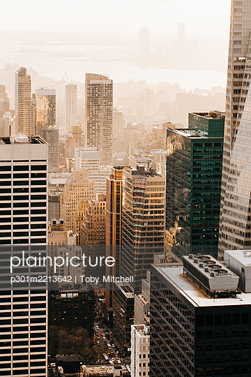Highrise buildings, New York City, New York, USA - p301m2213642 by Toby Mitchell