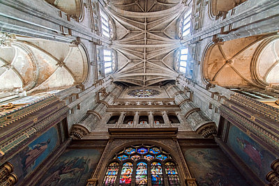 St. Eustache Cathedral ceiling and pillars - p1332m1502741 by Tamboly