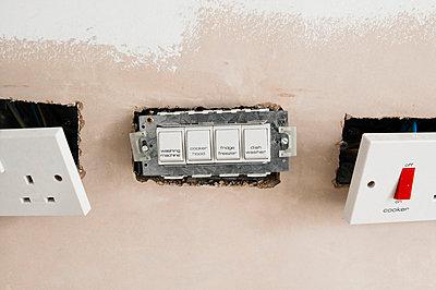 British socket - p1057m858706 by Stephen Shepherd
