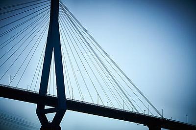 Köhlbrand Bridge Hamburg - p851m1573519 by Lohfink