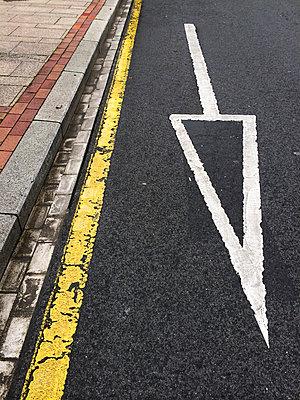 Road marking in Bilbao, Spain - p300m1009214f by Florian Löbermann