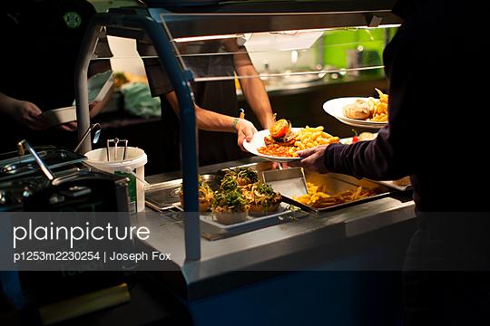 Great Britain, London, Fast Food Restaurant - p1253m2230254 by Joseph Fox