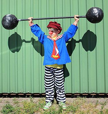 Gewichtheber in Aktion - p045m1048107 von Jasmin Sander