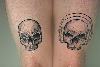 Totenkopf Tattoo - p1076m1123629 von TOBSN