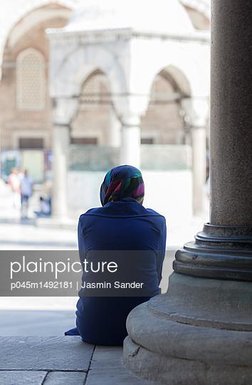 p045m1492181 by Jasmin Sander