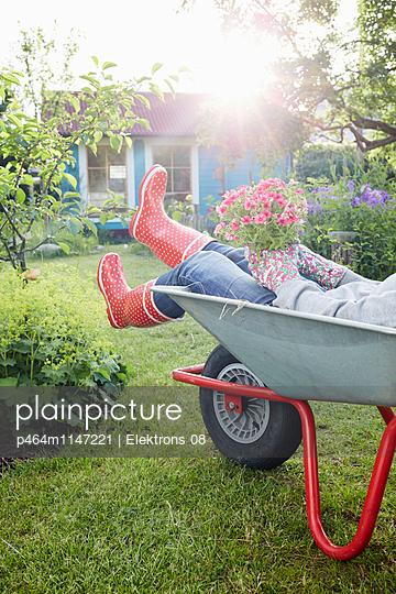 Gartenzeit - p464m1147221 von Elektrons 08