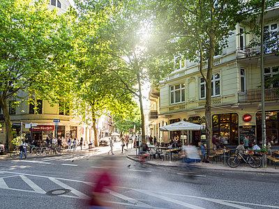 Sommer im Schanzenviertel - p536m1362121 von Schiesswohl