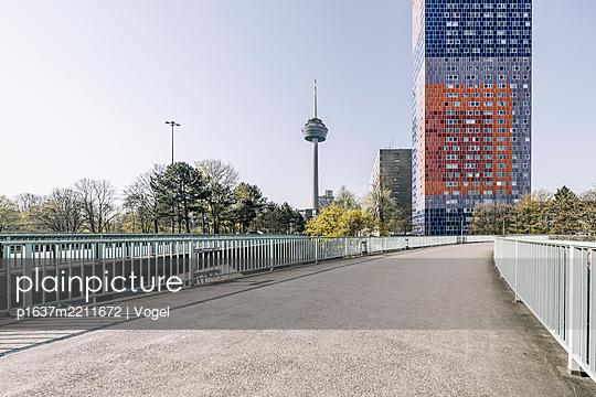 Bridge and television tower Colonius, Cologne - p1637m2211672 by Vogel