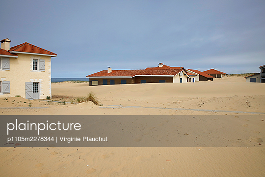 France, Saint-Girons Plage, Summer cottages - p1105m2278344 by Virginie Plauchut