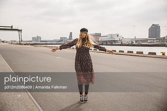 p312m2086409 von Amanda Falkman
