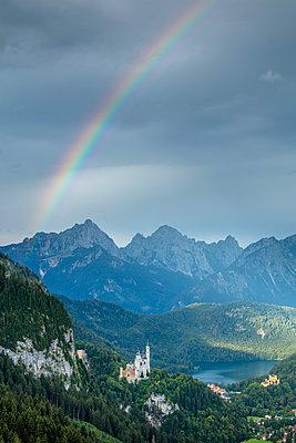 Rainbow over Neuschwanstein Castle, Schwangau, Bavaria, Germany - p651m2271137 by Jeremy Flint photography