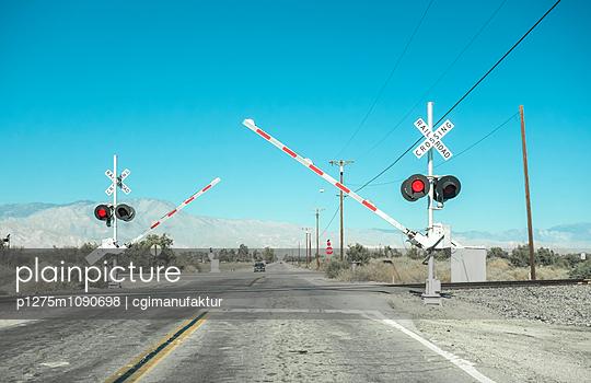 Bahnübergang, Wildwestromantik - p1275m1090698 von cgimanufaktur