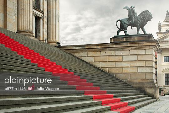 Rotkäppchen - p877m1146186 von Julia Wagner