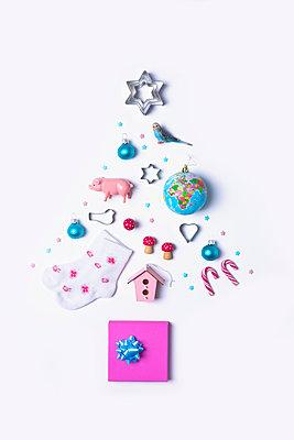 Christmas tree - p1149m2039191 by Yvonne Röder