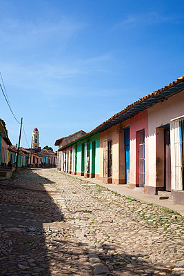 Cobbled street in Trinidad - p304m1093925 by R. Wolf