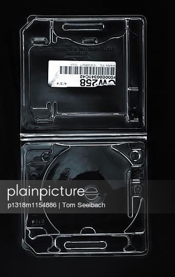Harddrive Disguise - p1318m1154886 von Tom Seelbach