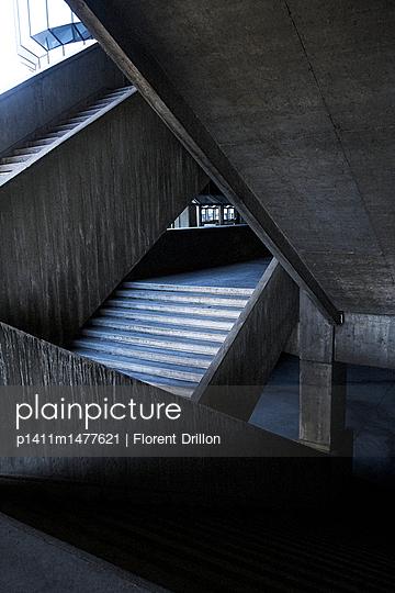 Treppen - p1411m1477621 von Florent Drillon