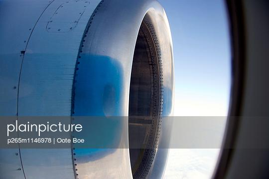 Fliegen - p265m1146978 von Oote Boe