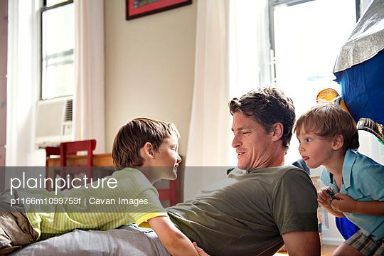 p1166m1099759f von Cavan Images