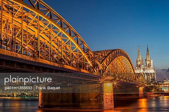 Hohenzollernbrücke und Dom bei Nacht - p401m1355593 von Frank Baquet