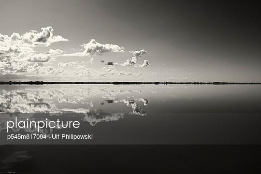 Wolkenspiegel - p545m817084 von Ulf Philipowski