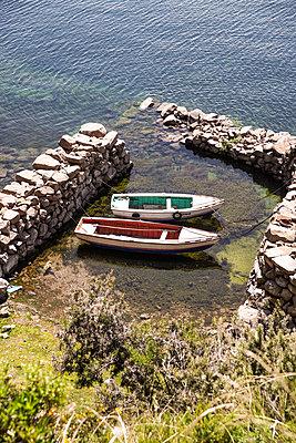 Peru, Boats  at lake titicaca - p1643m2229385 by janice mersiovsky